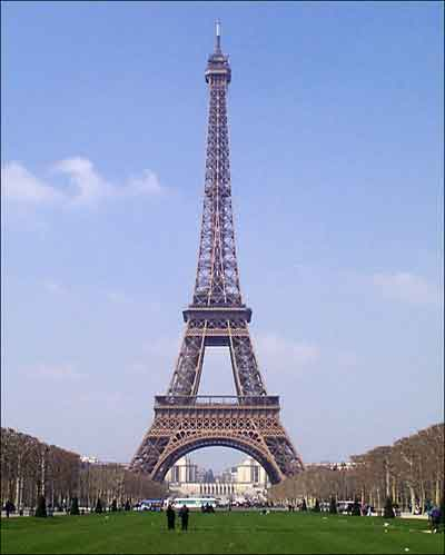 Eiffel Tower Pictures  Facts on Eiffel Tower History Facts   Christmas Customs Of France